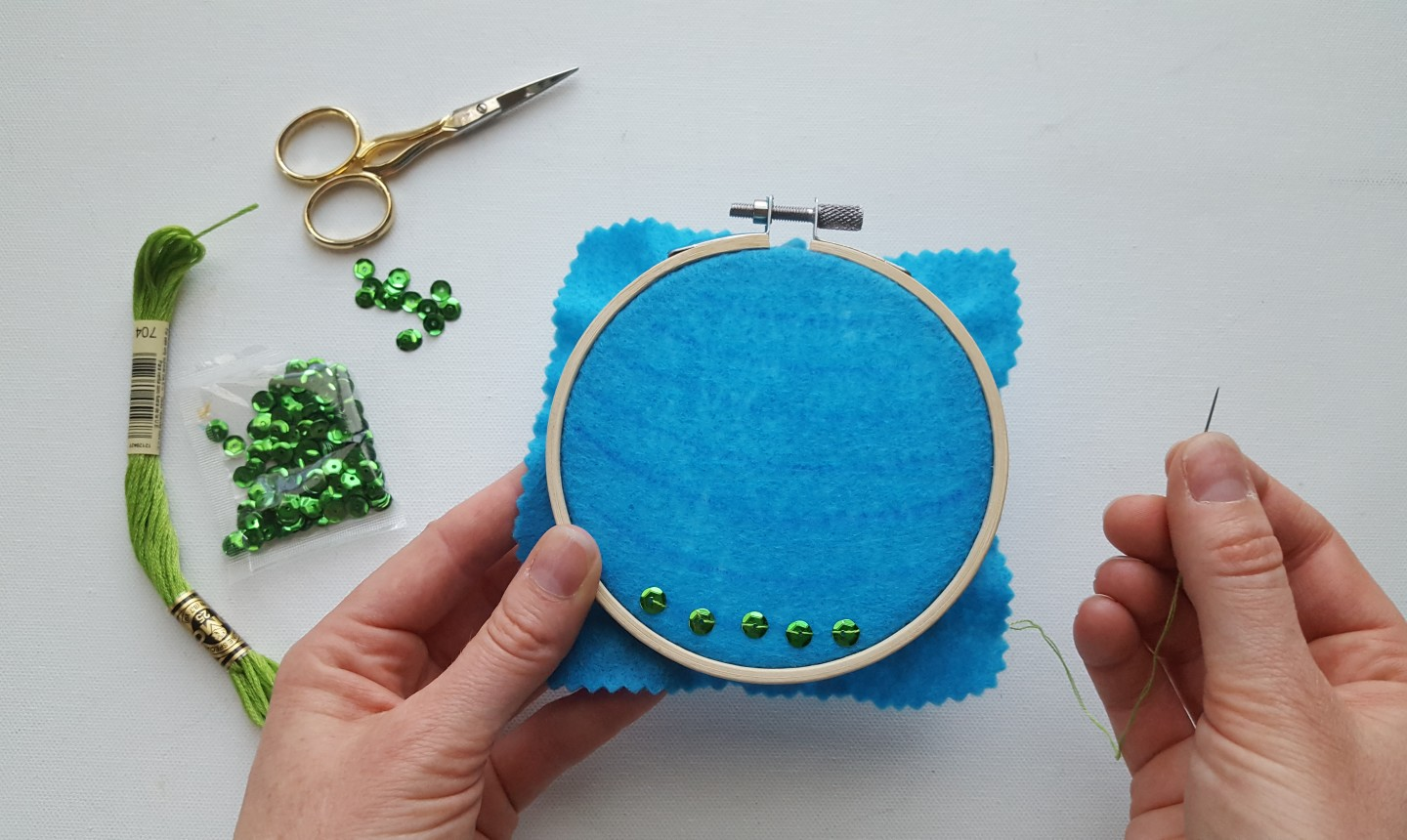 stitching christmas embroidery hoops