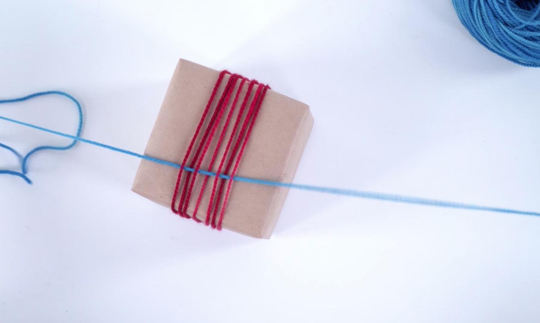 weaving present in yarn