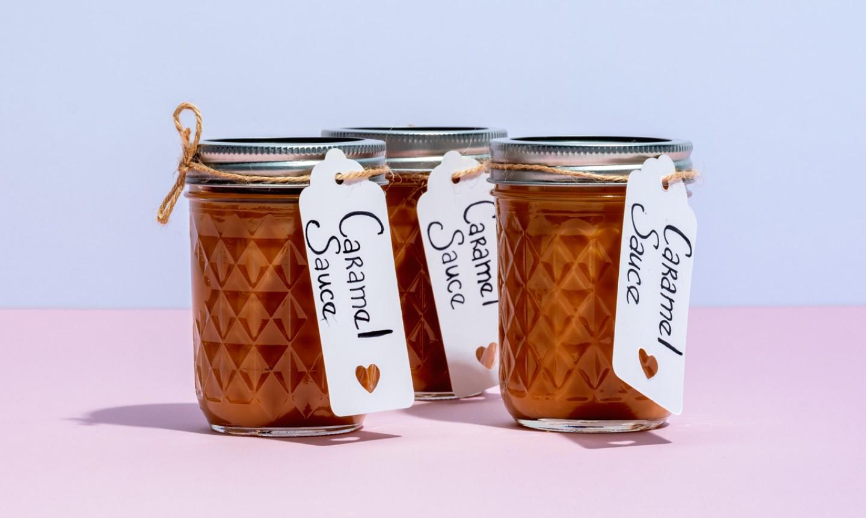 caramel sauce in mason jars