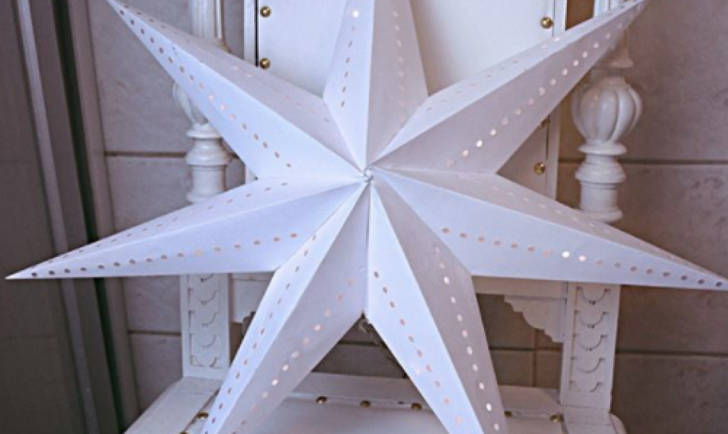 giant paper star