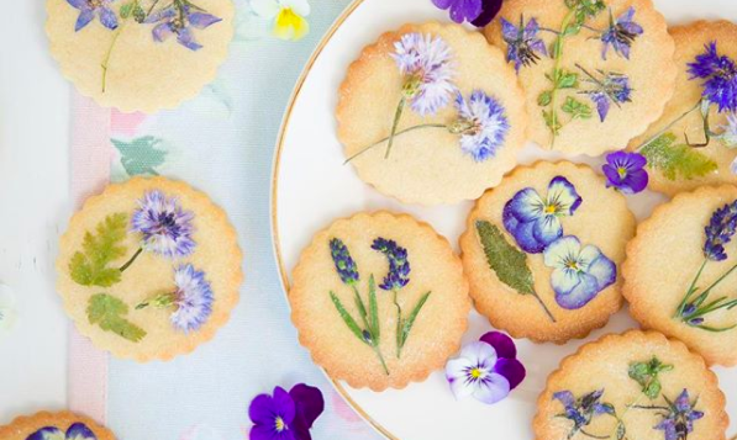pressed flower cookies