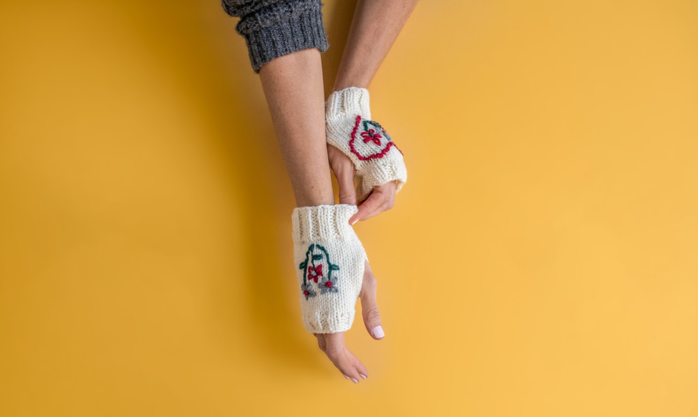 embroidered flower gloves