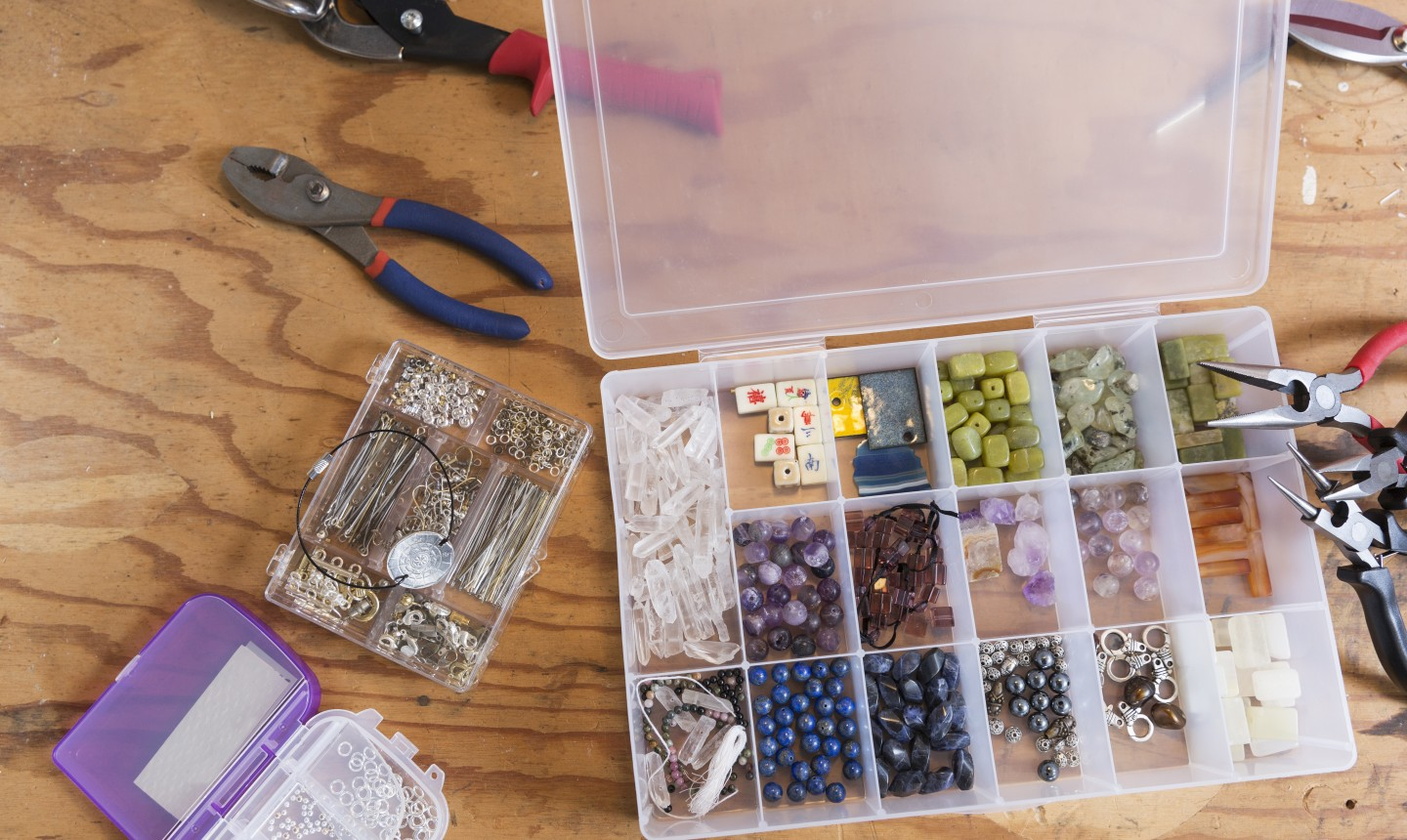 organized jewelry supplies