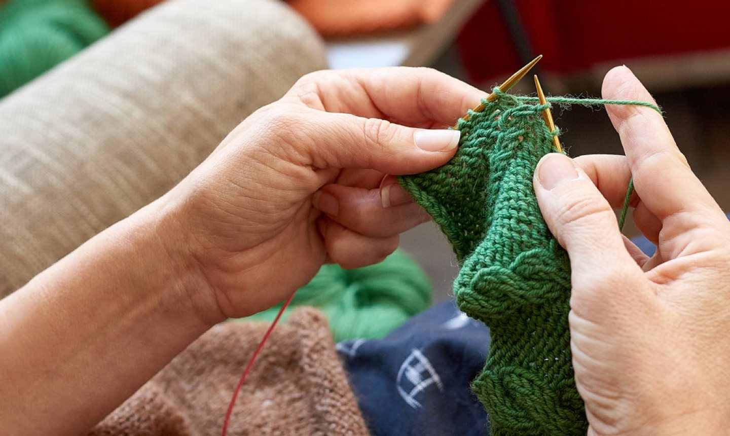 left handed knitting