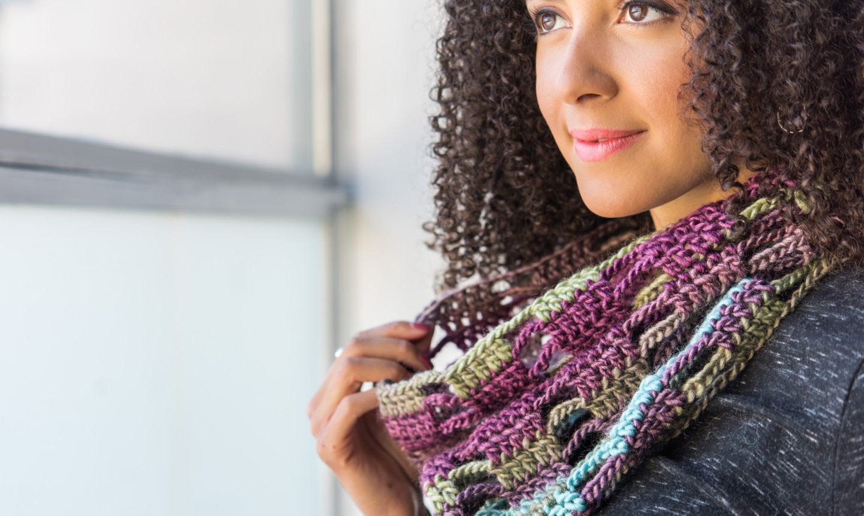 woman wearing crochet cowl