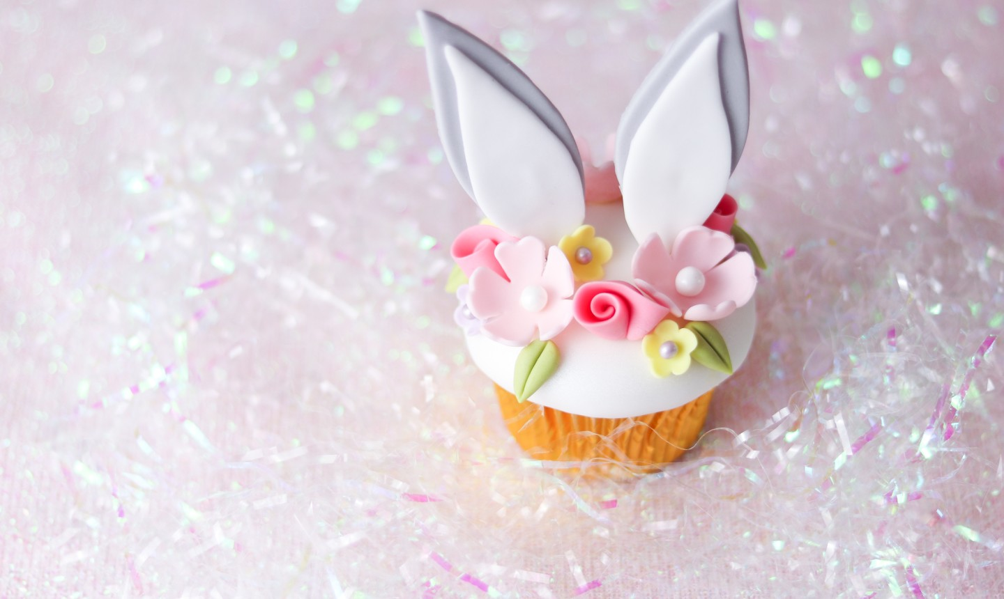 easter flower crown cupcakes