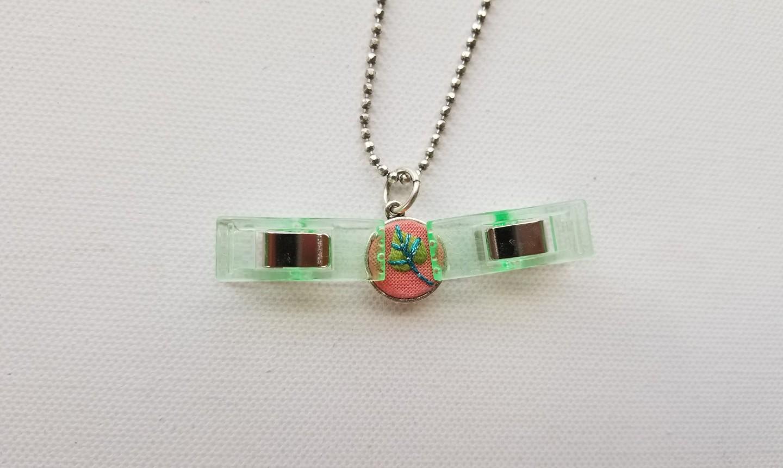 gluing pendant