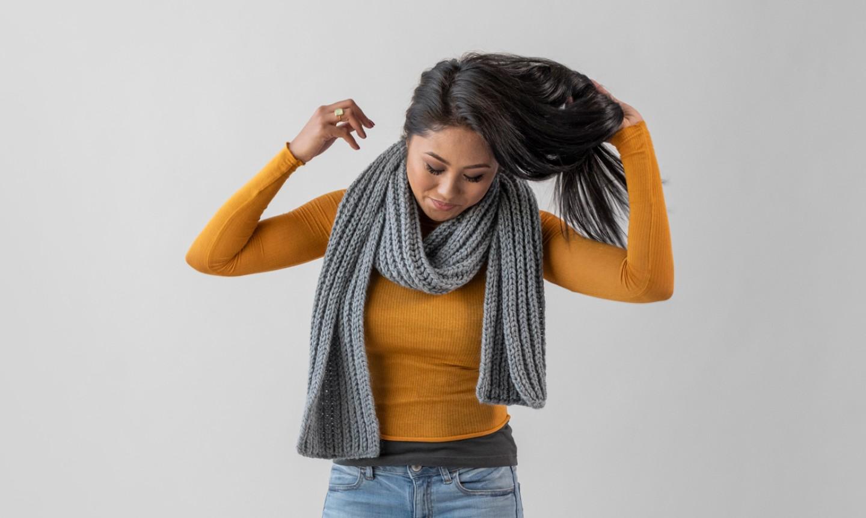 woman wearing brioche knit scarf