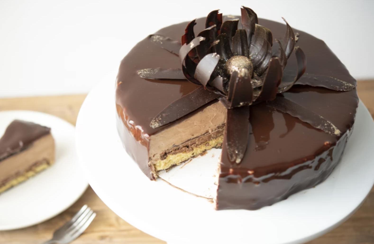 chocolate almond sponge cake