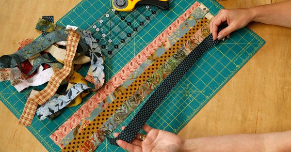 Laying scraps of rectangle fabrics