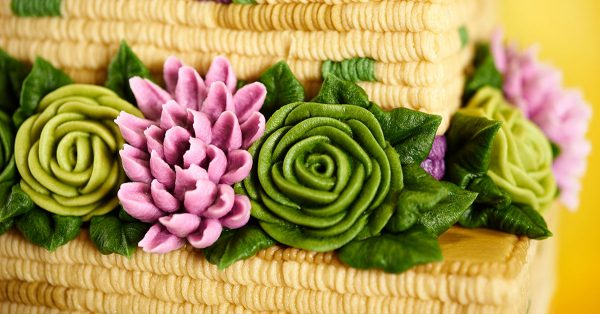 Realistic buttercream flowers