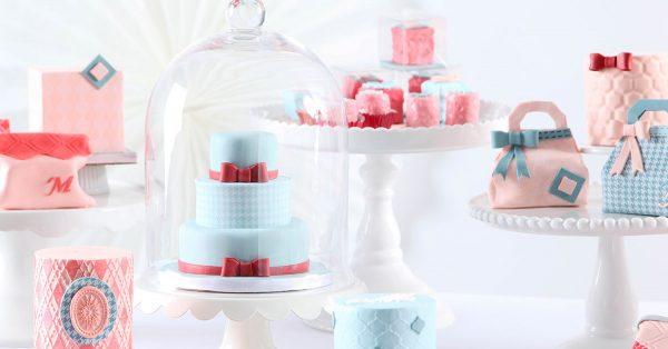 Mini cakes and mini purse cakes