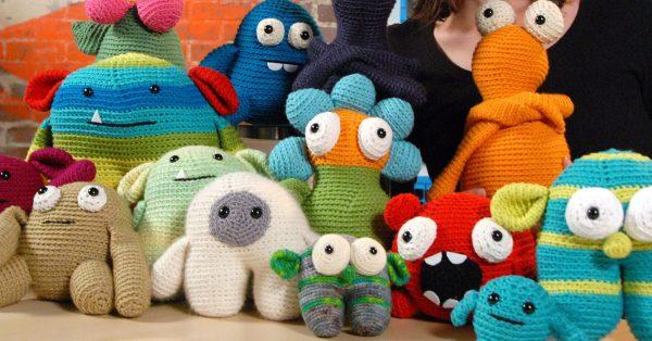 Various knit animals