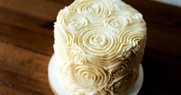 Crusted buttercream rosettes