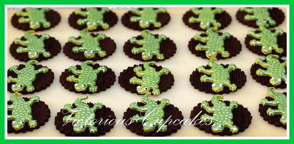 Fondant Lizard Cake Toppers