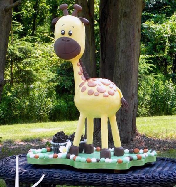 Very Cute Giraffe Cake