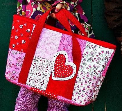 Heart Tote - Free Bluprint Sewing Pattern