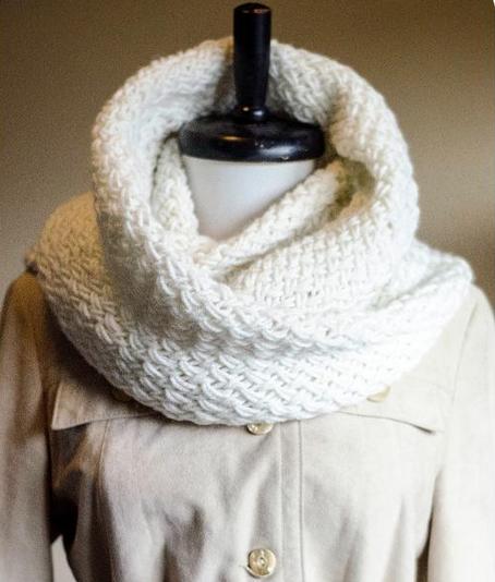 Free Knitting Pattern: Snowdrift Cowl