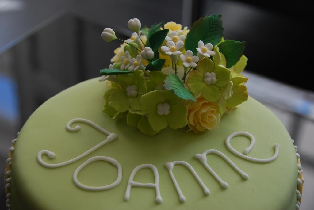 Writing on Cake: Bluprint Member Birthday Cake