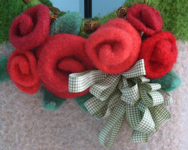 Knit Felted Roses - Bluprint Free Knitting Pattern
