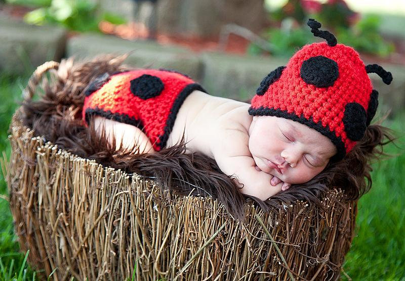 Ladybug crochet hat and diaper