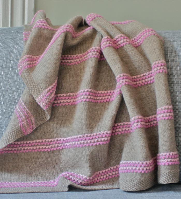 Sugar swirls knitted blanket