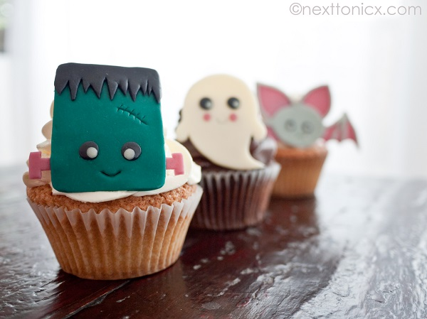 Halloween Themed Modeling Chocolate Cupcake Toppers