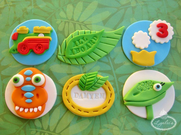 Cartoon-y Dino Cupcake Toppers
