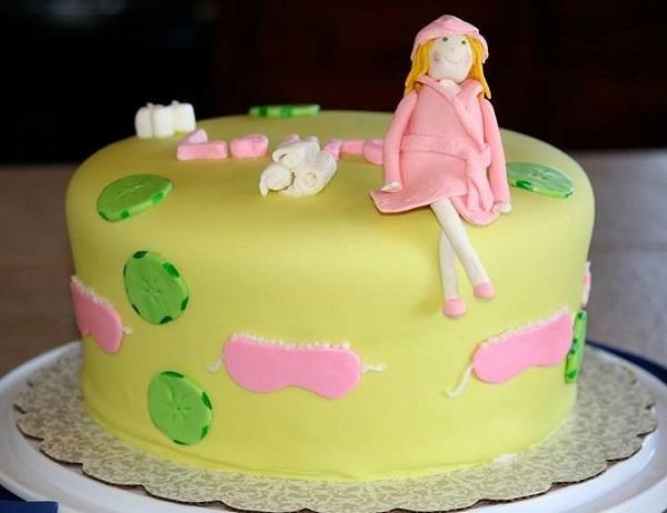 Bluprint Member Cake: Fondant Figure on Spa Cake