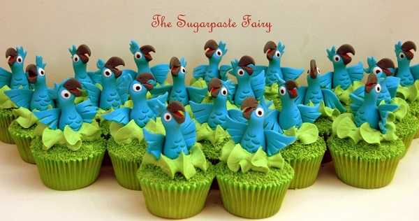 Cupcakes Topped with Parrot Toppers