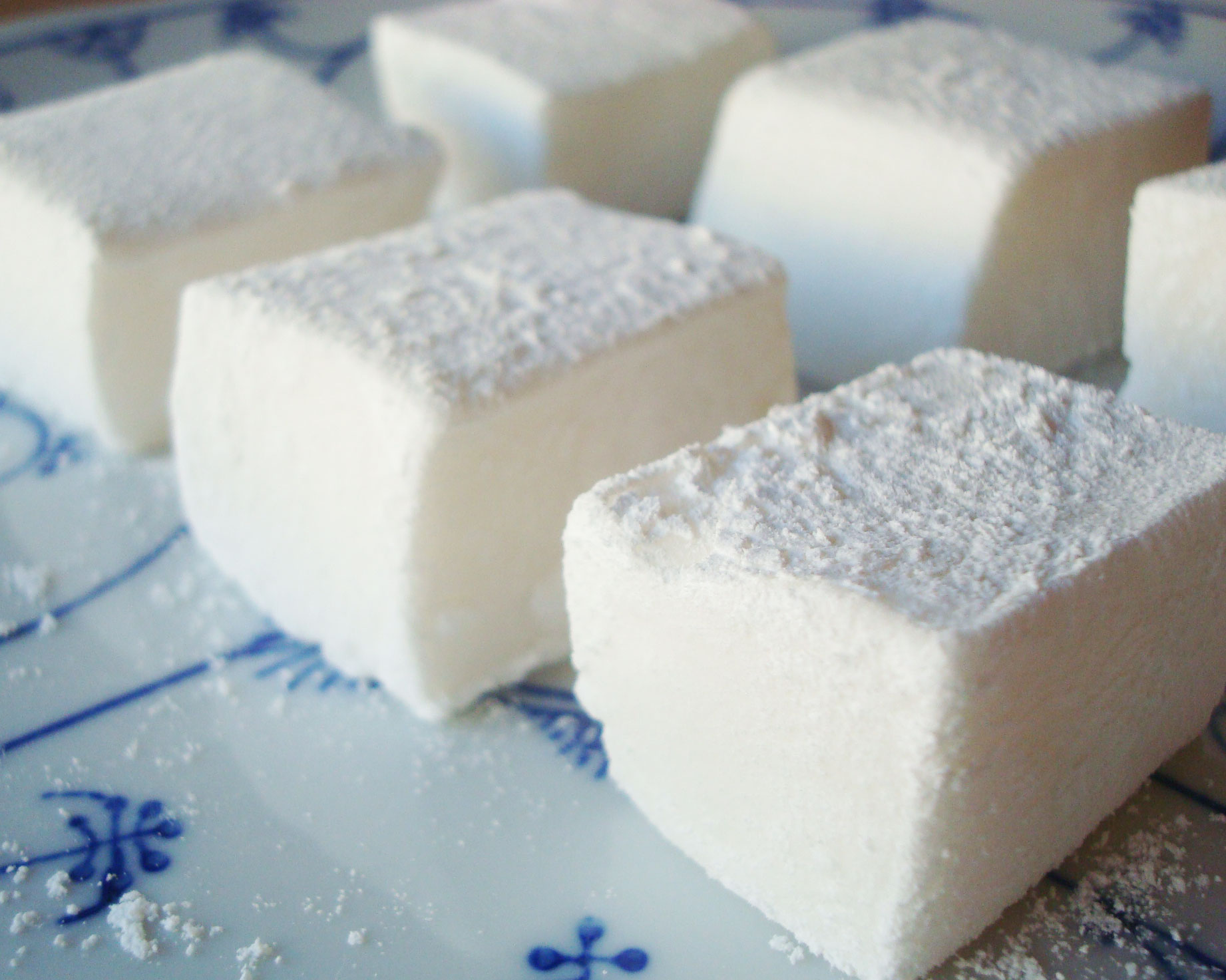 Homemade Marshmallows - Tutorial on Craftsy