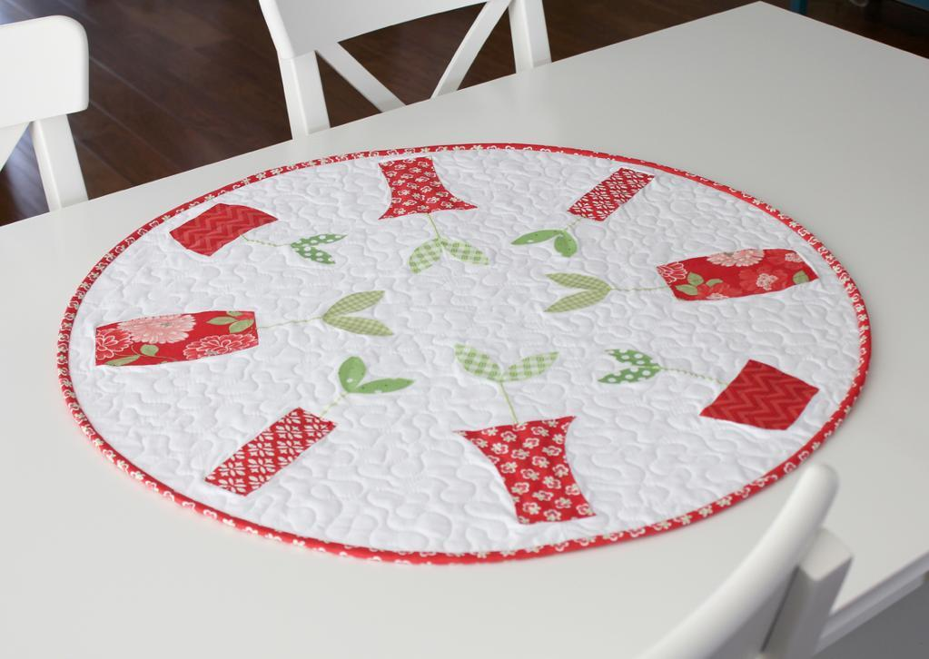 Round Sprouts Table Dec - Quilting Pattern
