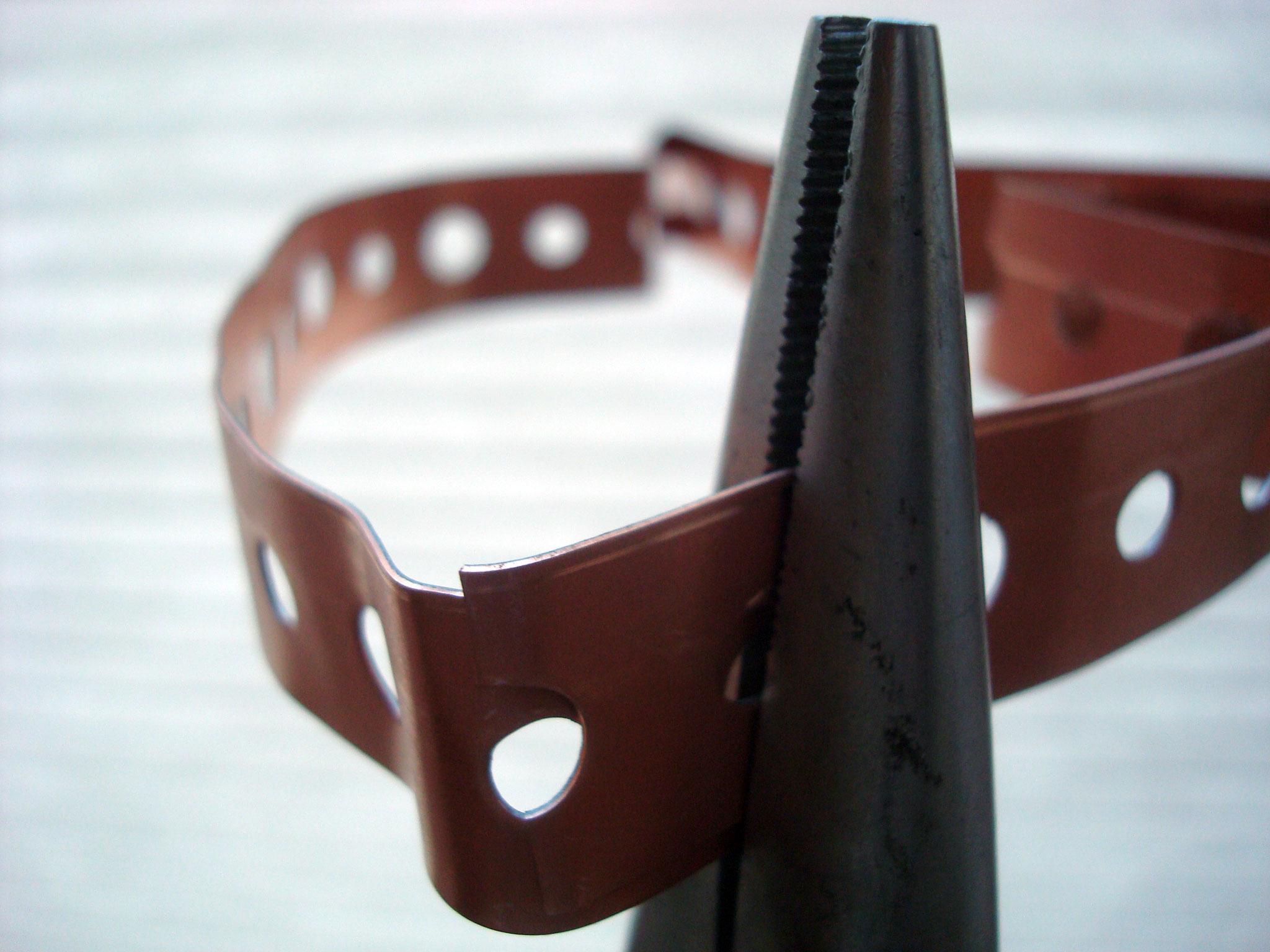Adhering Metal Cutter