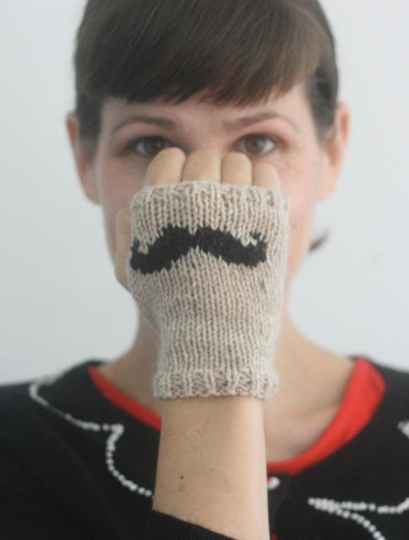 Knit Mustache Mitts