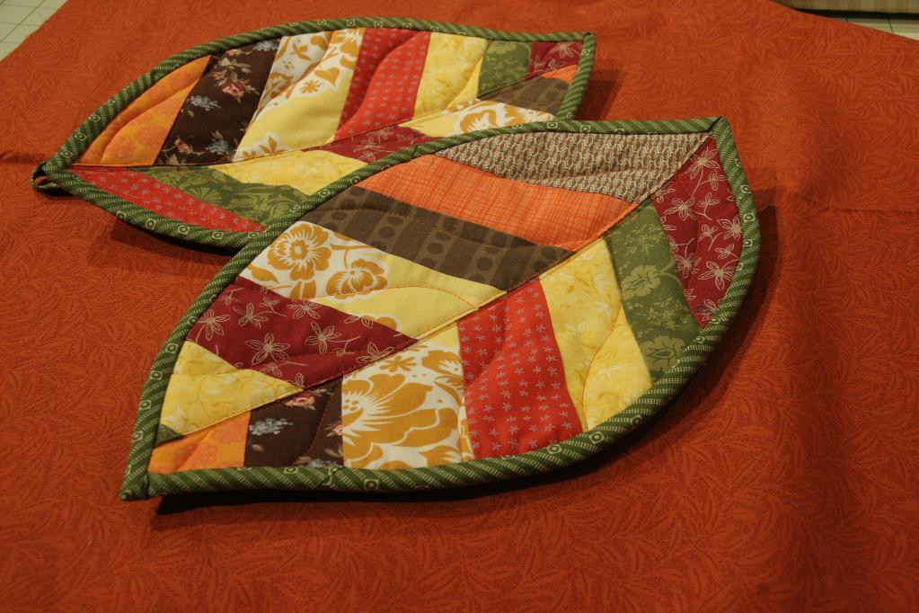Quilted Leaf Potholders - Free Quilt Pattern on Bluprint.com