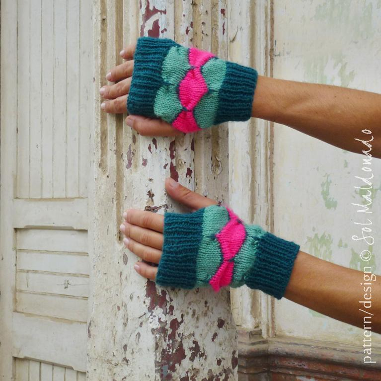 Geometric Fingerless Knitted Gloves