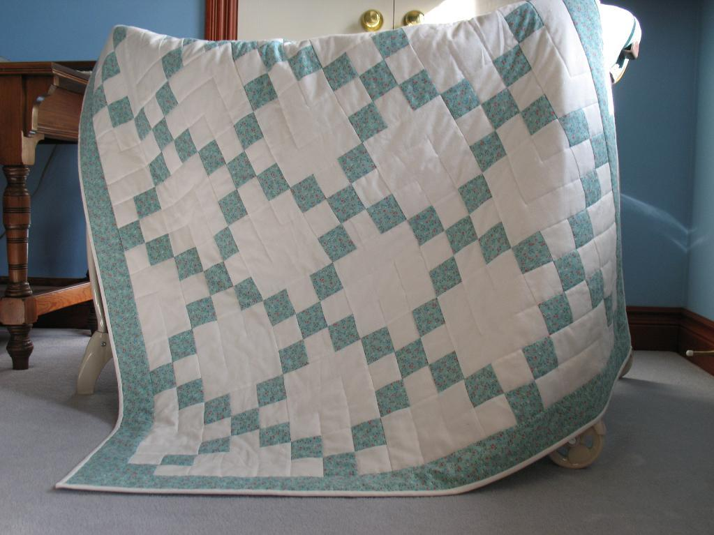 Irish Chain Baby Quilt: Pattern Available on Bluprint