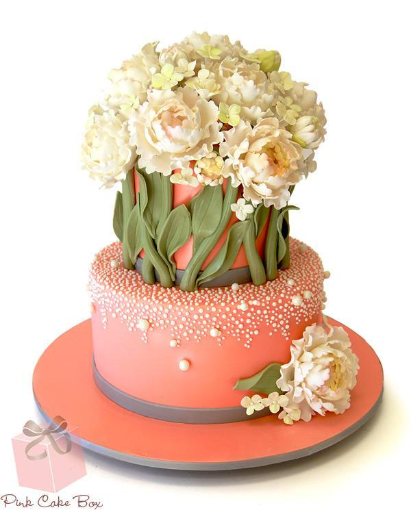 Creative Floral Cake with Pearl Decoration