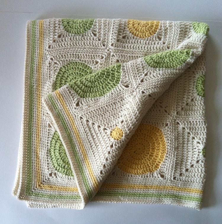 Crochet Dotty Spotty baby blanket
