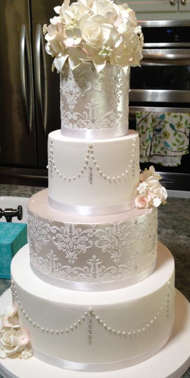 Tiered Elegant Wedding Cake with Pearls - Bluprint Project