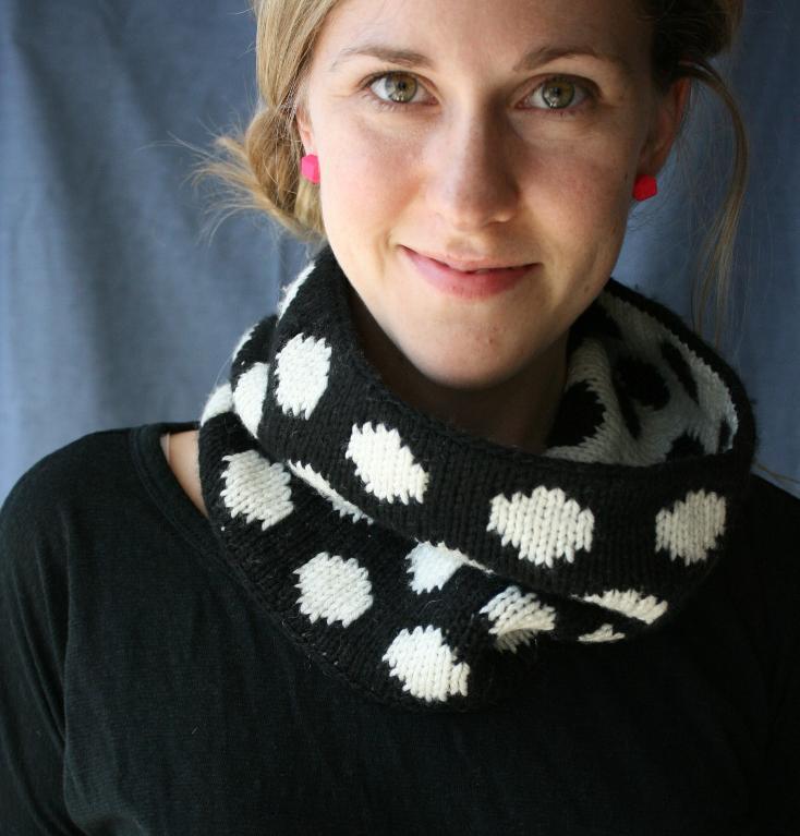 Double knit polka dot cowl
