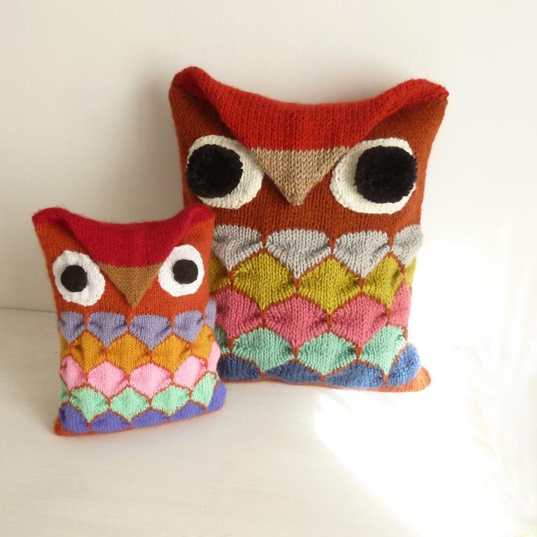 Knit owl pillow