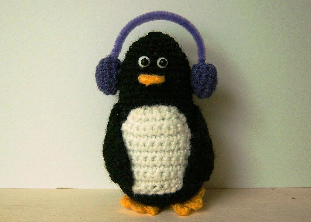 Penny the Penguin crochet amigurumi