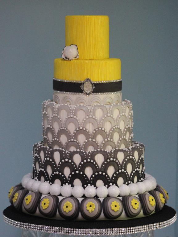 Tiered Fashion-Inspired Cake by Bluprint Member