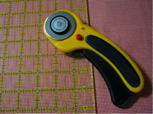 Rotary Cutter - Properly Cutting Fabric for Quilting