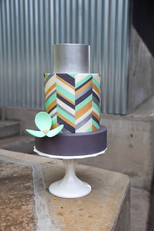 Simply Modern Cake Design - Perfect for Modern Brides!