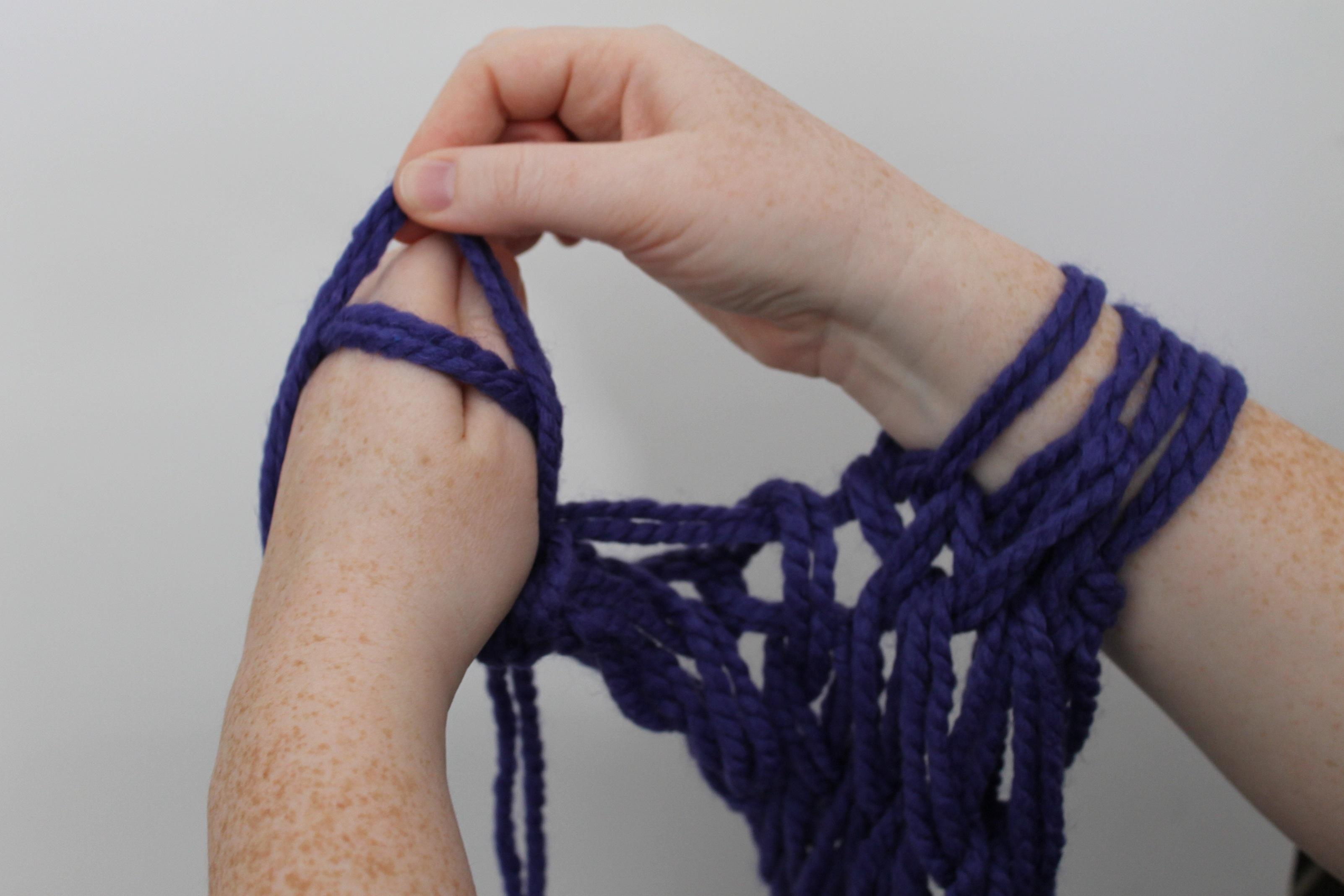 Arm knitting bind off