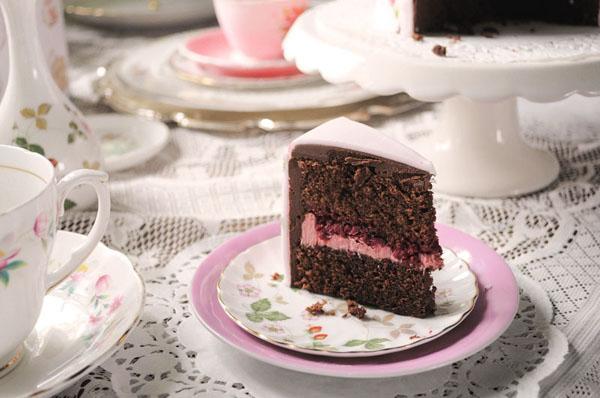 Raspberry and chocolate ganache cake by Juniper Cakery