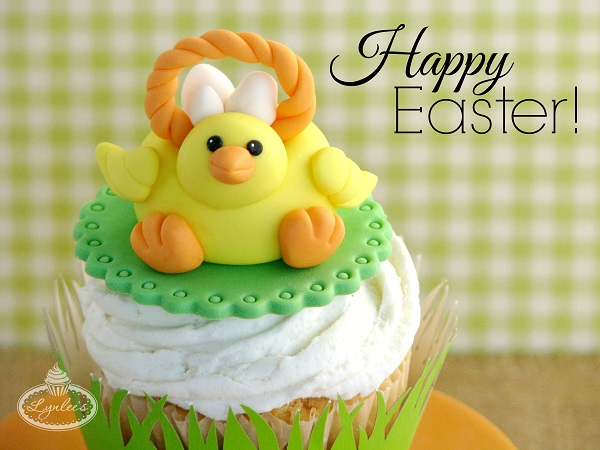 Easter Cupcake with Chick Fondant Topper