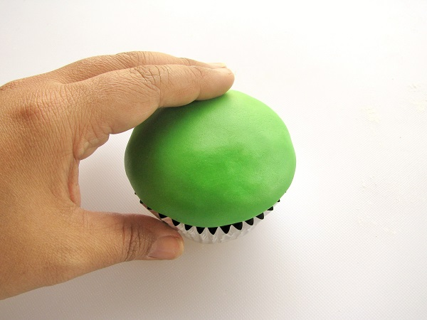Cupcake Topped with Fondant
